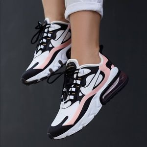 NEW Nike Air Max 270 React Sneaker / 7.5